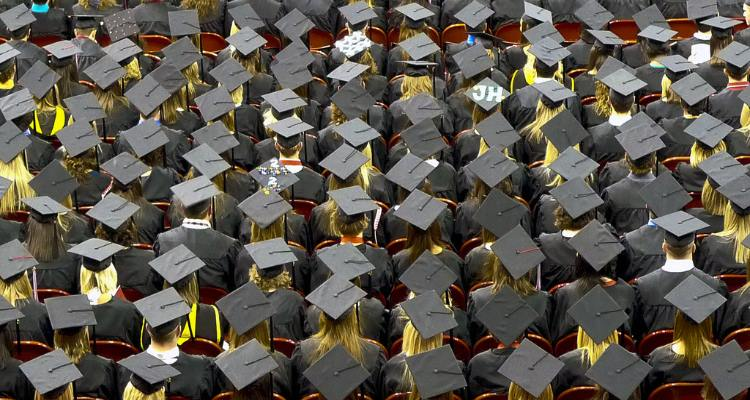 2014 Grads Still Have Time to Find College Scholarships
