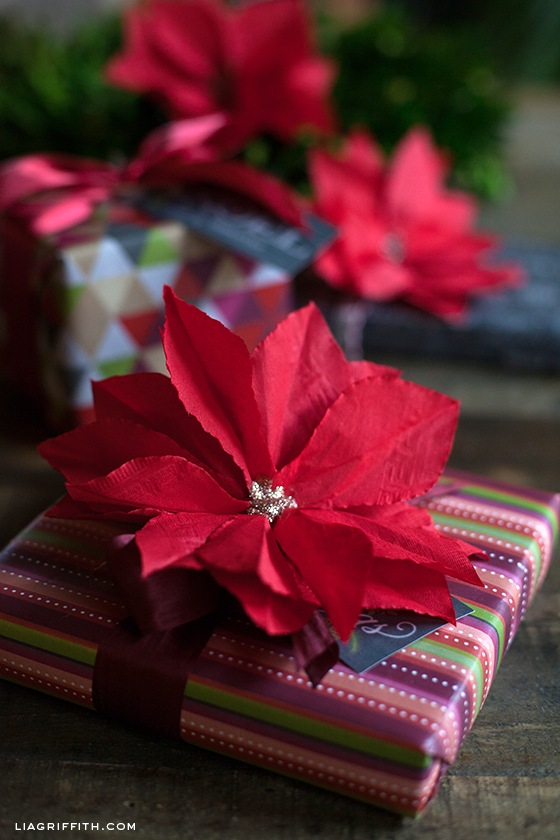 CocktailNapkinPoinsettiaDIY