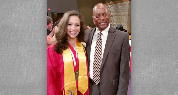 Olivia is a full-time ice skating athlete, and the Salutatorian of her graduating class. Online education gave her the opportunity to do it all.