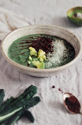 mint chocolate smoothie bowl