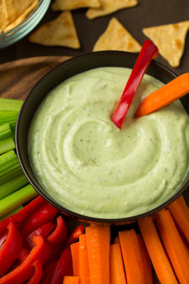 avocado-greek-yogurt-ranch-dip5-srgb.