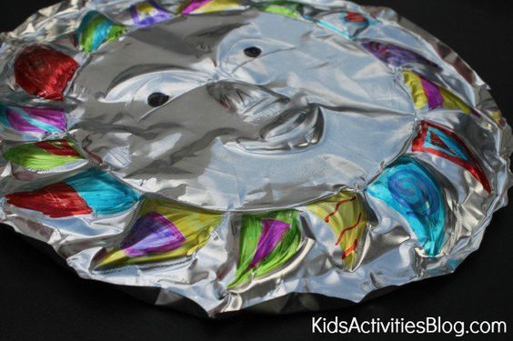 A child 39 s guide to a fun cinco de mayo learning liftoff for Aluminium foil art and craft