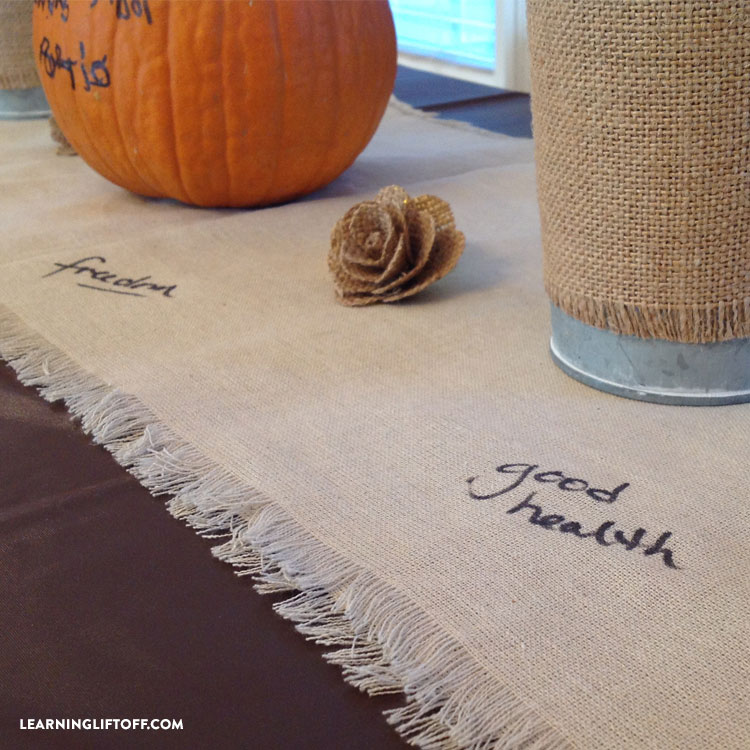 thankful-thanksgiving-table_tablecloth