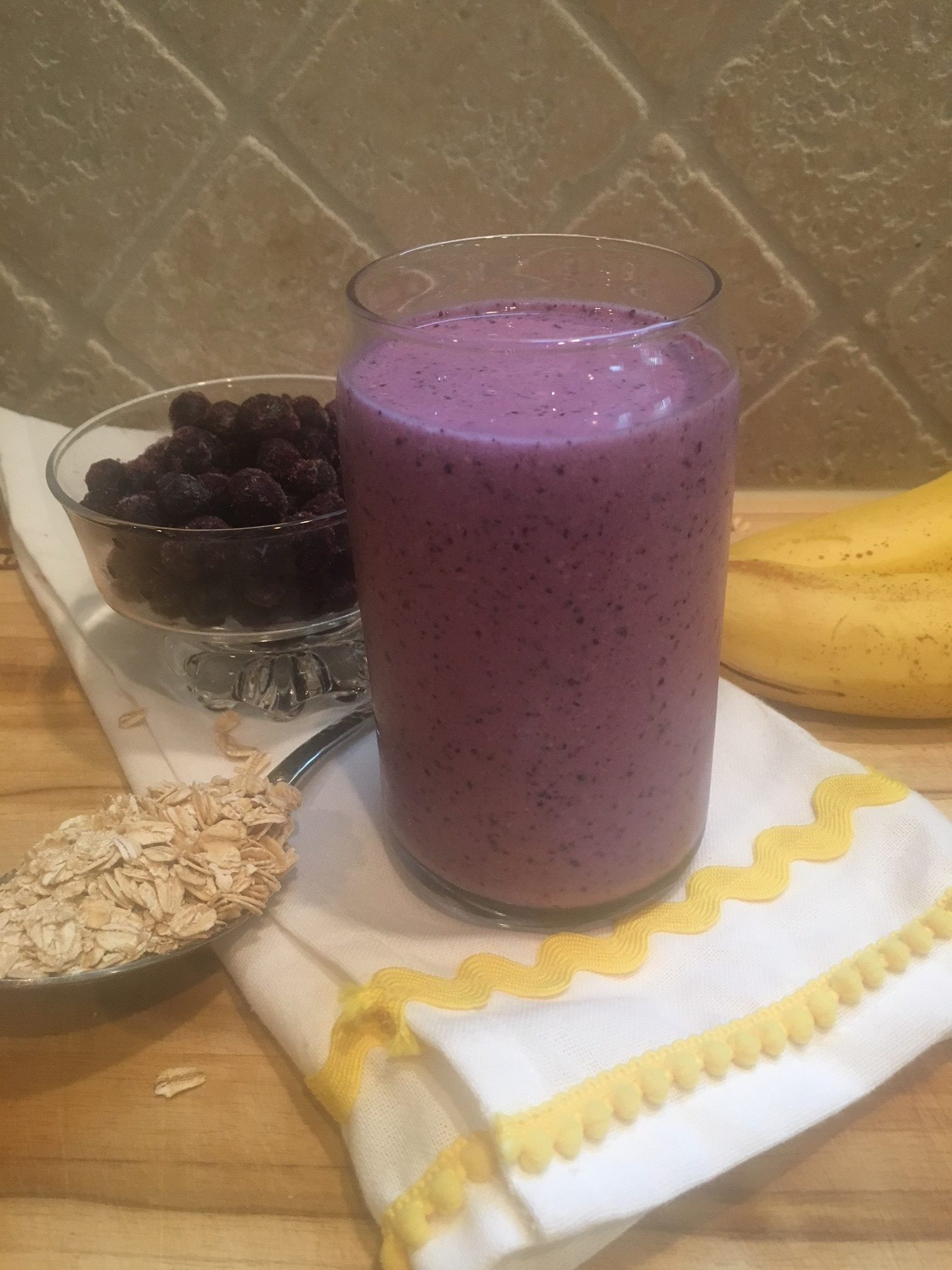 blueberry smoothie with ingredients