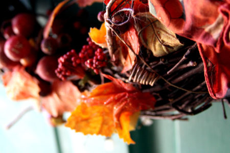 Thanksgiving is right around the corner, and we want to help you get ready for the holiday with these five easy Thanksgiving crafts.