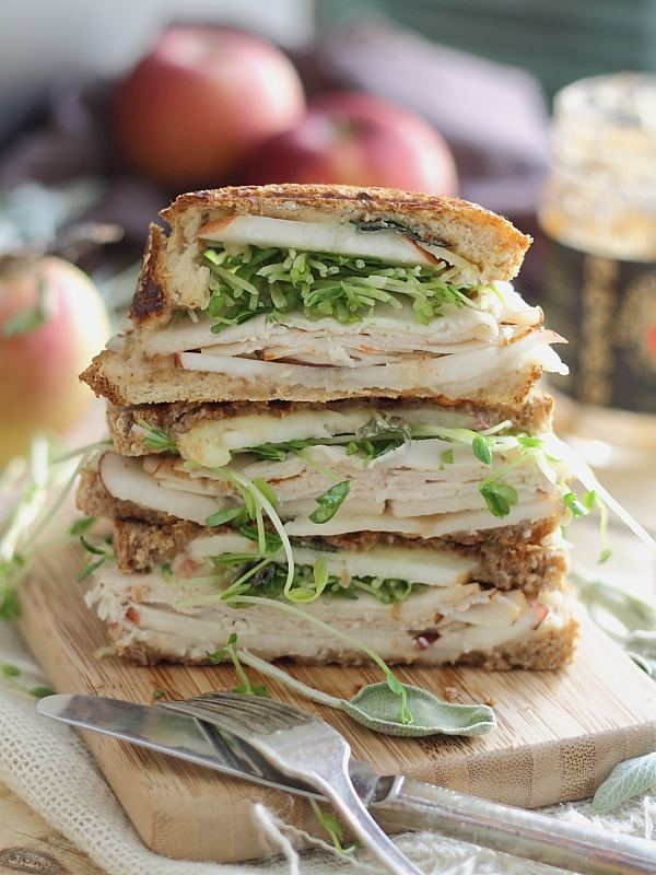 Turkey-cheddar-apple-butter-panini-3-optimized
