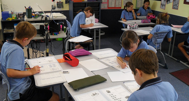 how the environment affects students' learning How classroom design affects engagement  and contribute to this growing body of evidence that the learning environment impacts students' success and engagement.