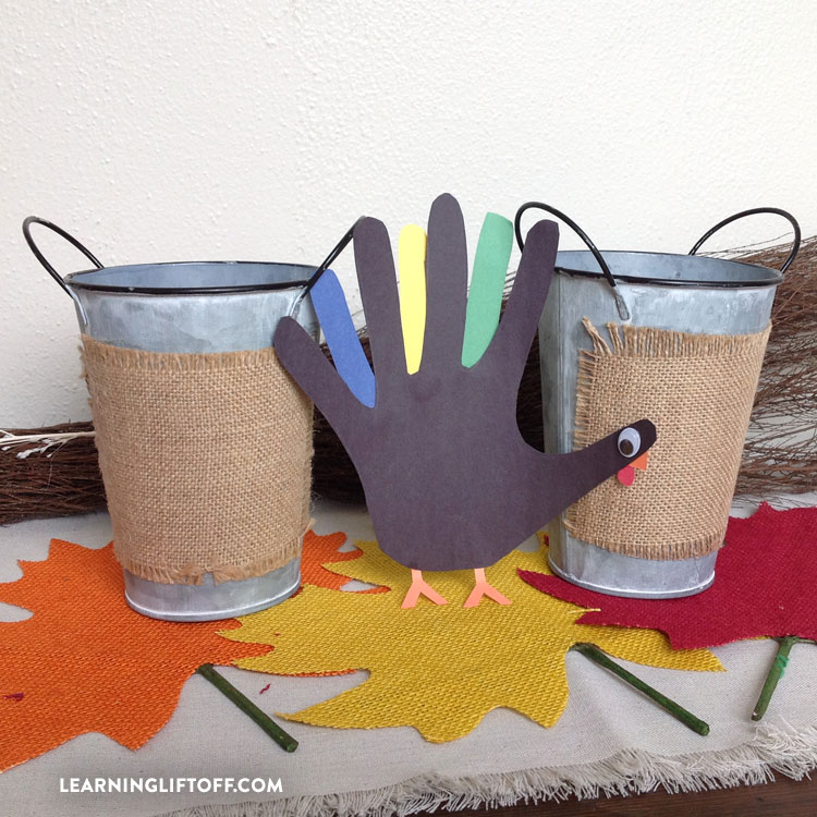 thanksgiving_crafts_turkey-hand