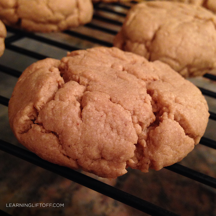 perfect-peanut-butter-cookie-let-it-cool
