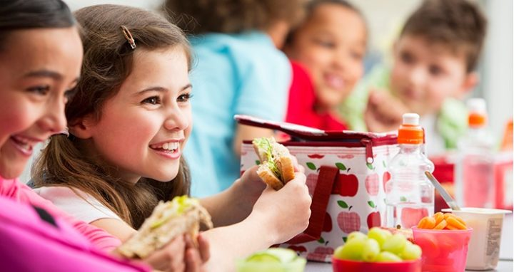 How an Early School Lunch Schedule Can Negatively Affect Kids